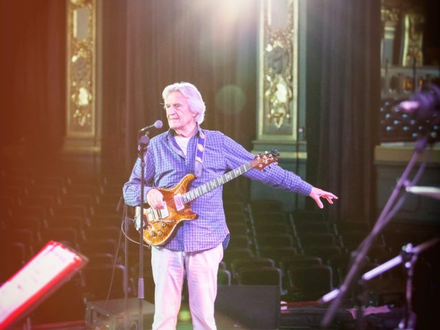 John McLaughlin & 4th Dimension – Soundcheck Monaco